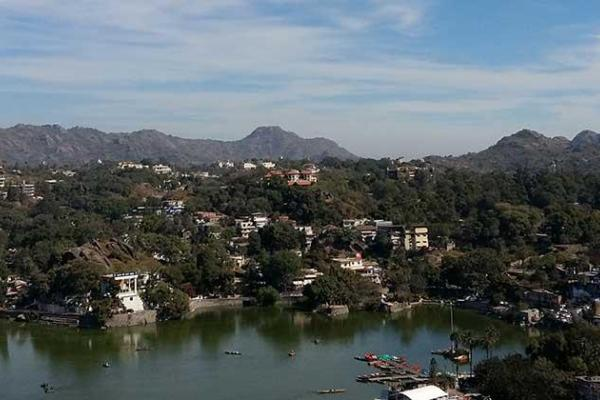 Elegant Udaipur  with Mount Abu Tour Package