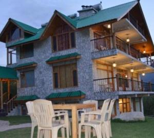 White Stone Resort Manali