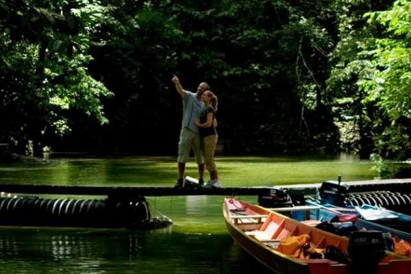 Romantic Kerala Honeymoon Package